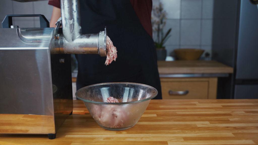 Bratwurst grind