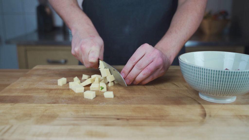 Pizzaleberkäse-chopped ingredients