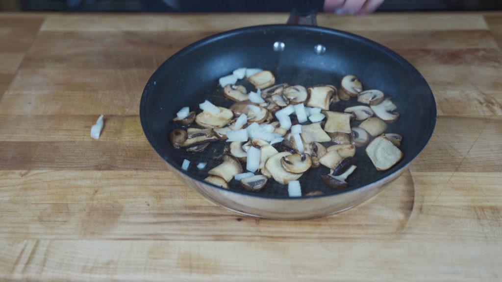 Pizzaleberkäse-onions